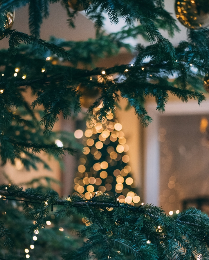 Scandinavian Christmas Home Decor Tips & Inspo.